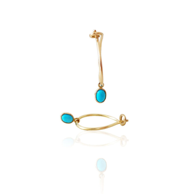 Charms i med turkis perler kan bruges i creoler af 18 karat guld